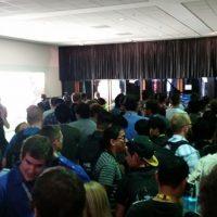 Más filas para conferencias y probar juegos. Foto:instagram.com/nerdreport