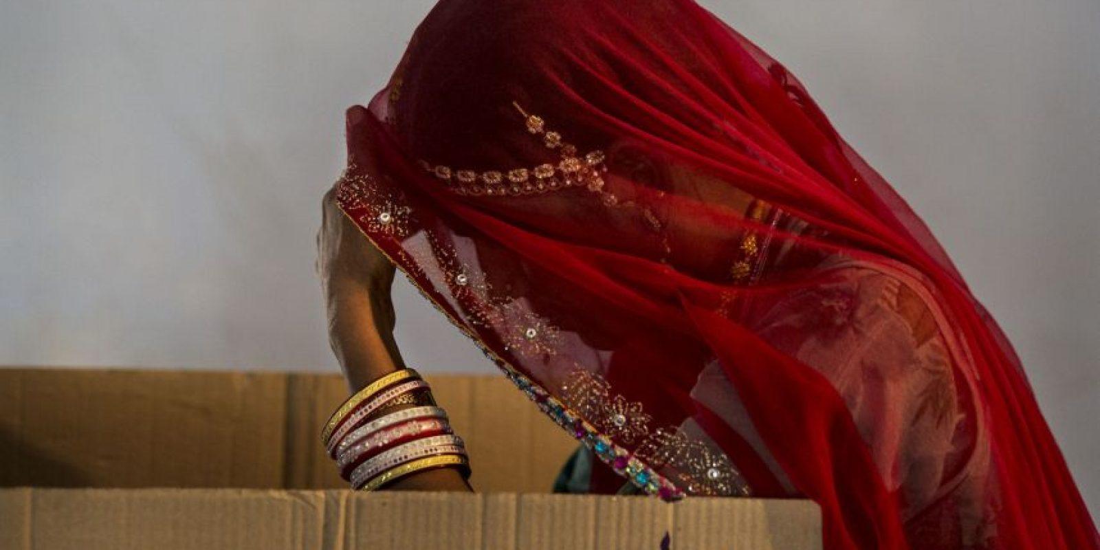 Una mujer que fue abusada sexualmente tendrá que realizarse un ritual purificador para ser de nuevo aceptada. Foto:Getty Images