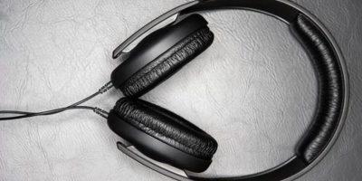 Audífonos. Muy apropiado para quienes gustan de la música. Los hay de muchas marcas, modelos, tipos, calidades y precios. Foto:Wikicommons
