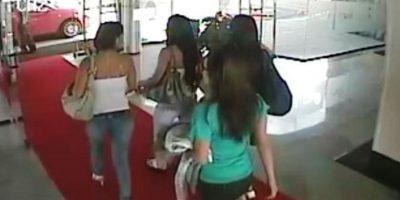 Previo a la Copa América de Argentina 2011, la Selección Sub-22 de México viajó a Ecuador para disputar un partido amistoso. Los futbolistas denunciaron robos en el hotel y al checar las cámaras se descubrió que habían ingresado a prostitutas al inmueble. Foto:Twitter