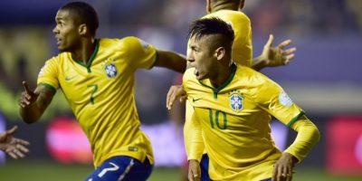 Brasil tuvo complicaciones para vencer a Perú Foto:AFP
