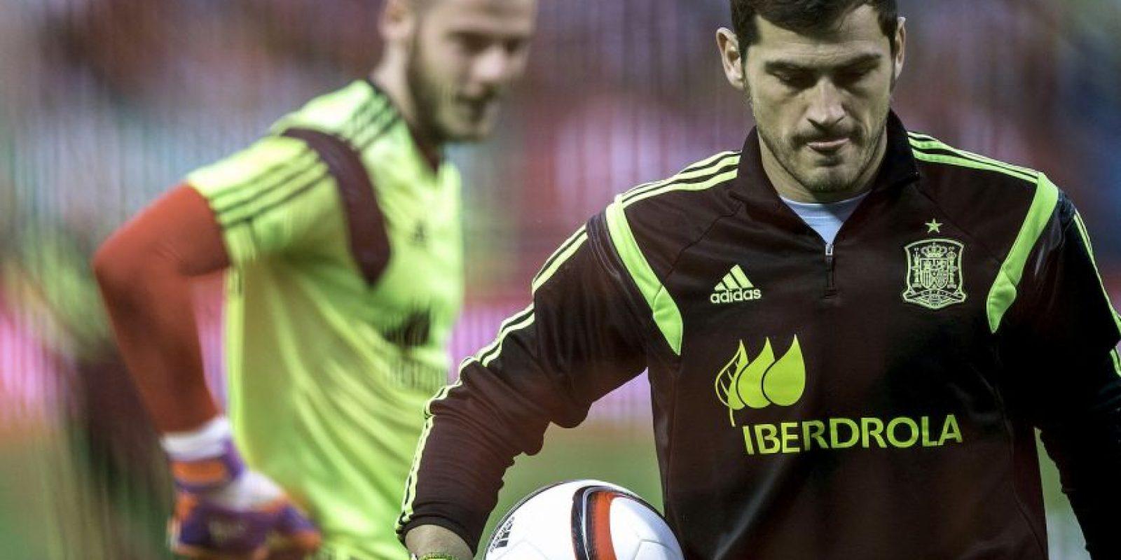El portero español no quiere ser suplente de Iker Casillas ni pelear con él por la titularidad en el cuadro merengue. Foto:Getty Images