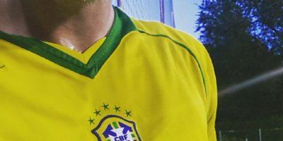 Al igual que con el balón, papá podrá recibir una camiseta de Brasil y en ese mismo momento sentirse Pelé o Romario e irse a jugar fútbol. Foto:Vía instagram.com/hanasaku84