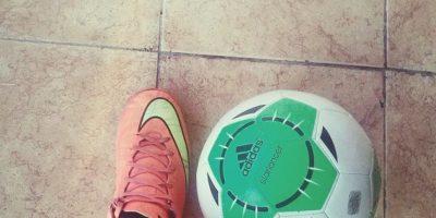 De eso se trata, de invitar a papá a hacer alguna actividad física y poner en práctica sus viejos conocimientos de fútbol, béisbol, basquetbol u otro deporte. Foto:Vía instagram.com/odjnc_7