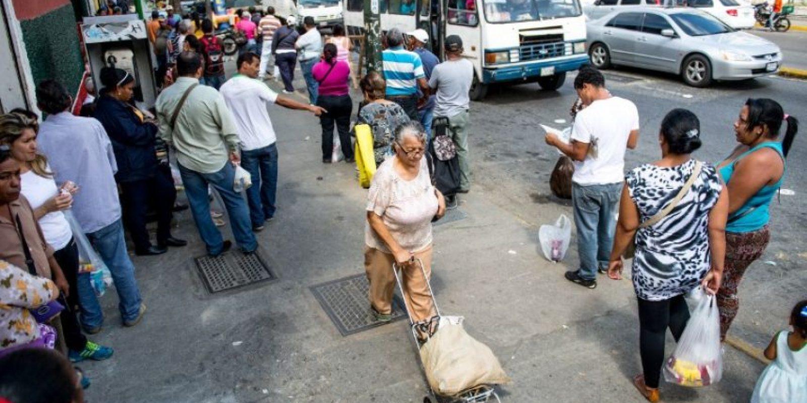 """""""La caída de los precios puede tener un efecto devastador, el cual crea una crisis política que beneficia a la oposición y que puede llevar a la caída de Nicolás Maduro del Gobierno"""", analiza Barbosa. Foto:AFP"""
