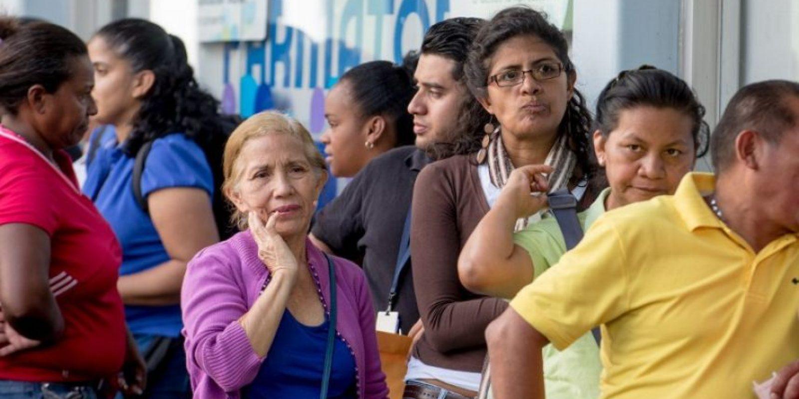 """""""Esto complica el escenario para Venezuela y sus aliados, que se han beneficiado a través de los años con los subsidios que les ha otorgado gracias a los altos precios del petróleo. El ejemplo claro es Cuba"""", dijo el doctor Pérez del Peral. Foto:AFP"""