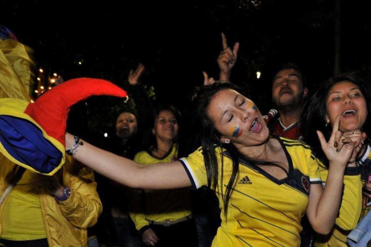La felicidad de los colombianos por el triunfo ante Brasil Foto:AFP