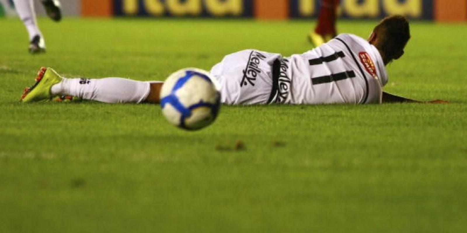 Con estos trucos humilla a sus rivales, los cuales terminan enfadados y acusando al brasileño de irrespetuoso. A continuación, los 5 espectaculares trucos de Neymar que enfadaron a su adversarios. Foto:Getty Images