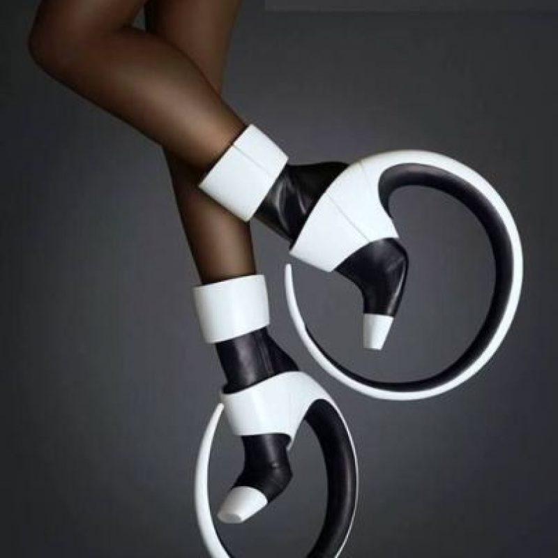 5. Esta hermosa obra de arte tuercetobillos. Foto:vía Vogue
