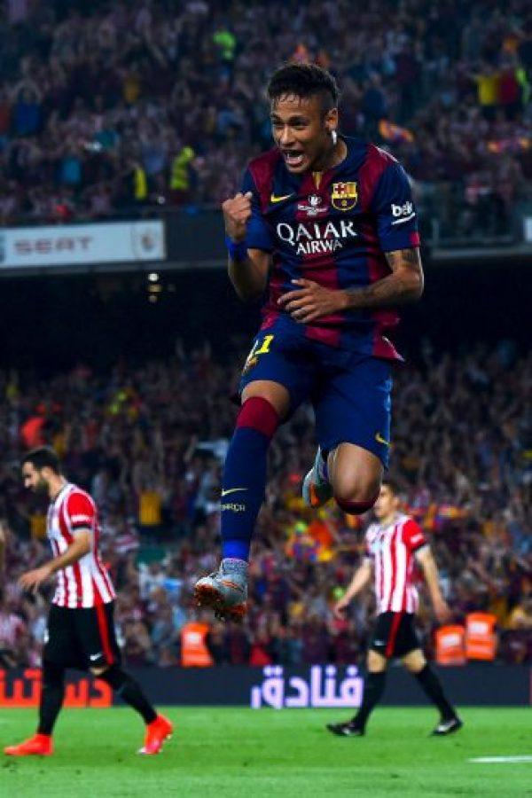 """Por supuesto, esto no lo tomaron a bien los futbolistas rivales, quienes se fueron encima del brasileño y lo calificaron de """"irrespetuoso"""". Foto:Getty Images"""