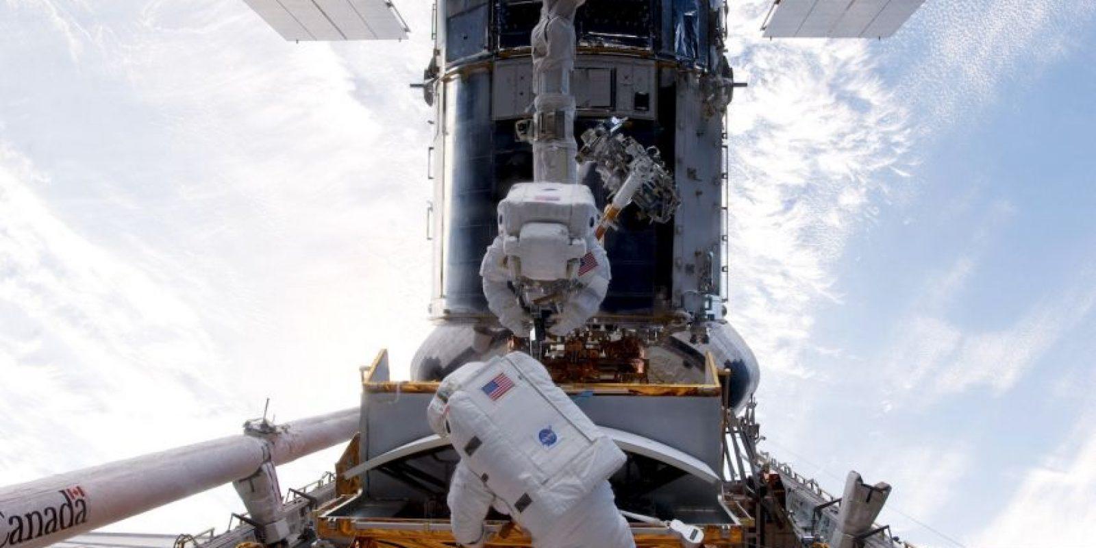 El físico aseguró que alguien con un telescopio a 20 años luz podría detectarnos. Foto:Getty Images