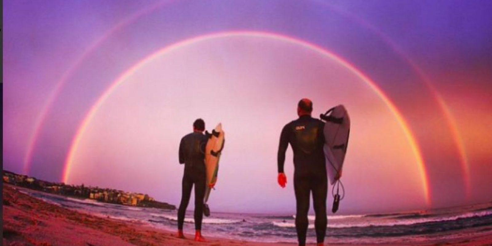 Un doble arcoíris hizo que el atardecer de Sydney fuera muy atractivo Foto:Vía Twitter @Gotham3