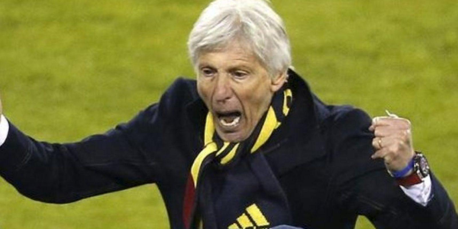 José Néstor Pekermán grita el triunfo de Colombia sobre Brasil Foto:AFP