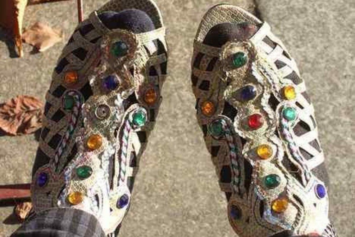 14. Estas sandalias de croché con piedras preciosas. Algo kitsch y homenaje al horror. Foto:vía Imgur