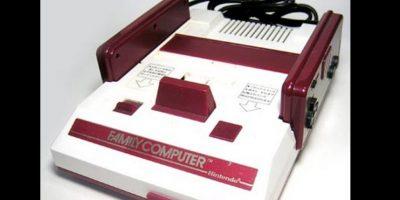 Le siguió el Famicom, una de las primeras consolas que llegó a América Latina Foto:Nintendo