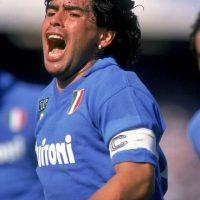 Jugó con el Napoli hasta la temporada 1990-1991. Foto:Getty Images