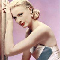 Mejor sigue copiando a Grace Kelly, Nicole. Ahí te va bien. Foto:vía Getty Images