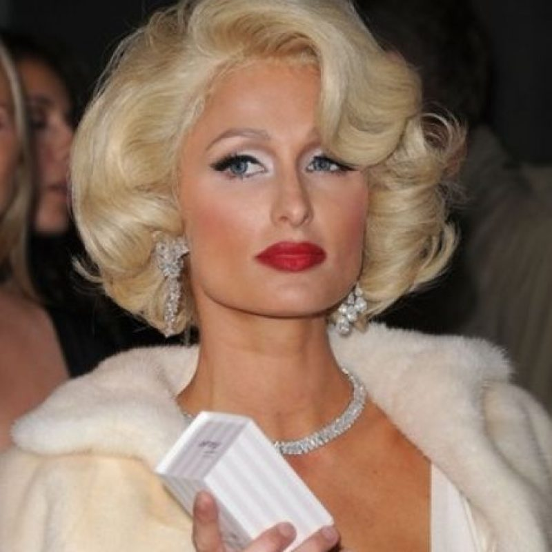 5. Otra que se atrevió fue Paris Hilton. No le hagan eso a la pobre Marilyn. Foto:vía Getty Images