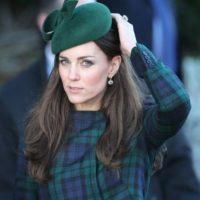 ¿Para qué querrías copiarla a ella, reina de los trajes formales y sombreros? Déjale eso a una inglesa aristócrata y tu a lo tuyo. Foto:vía Getty Images