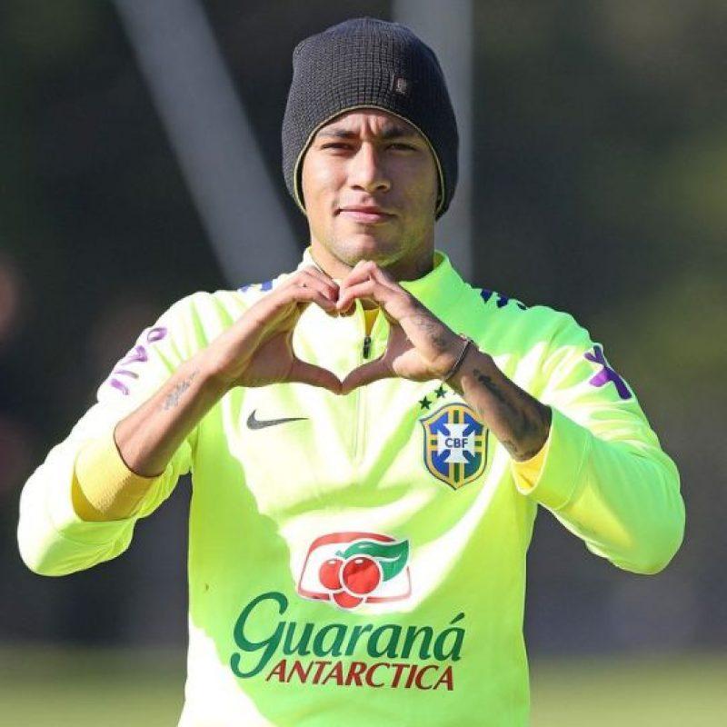 """Neymar recibió cuatro partidos de suspensión por lo que se acabó su """"aventura"""" en Chile 2015. Foto:Vía instagram.com/neymarjr"""