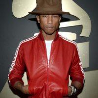 Este hombre también es notable por sus particulares sombreros. Foto:vía Getty Images