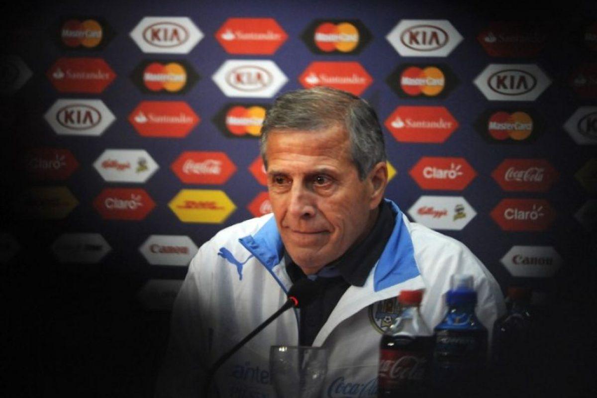"""Sería un golpe contundente eliminar a Chile"", Óscar Washington Tabárez, DT de la selección de Uruguay Foto:AFP"