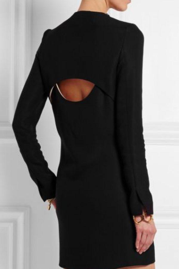 Un vestido sobrio. Foto:vía Net- A-Porter
