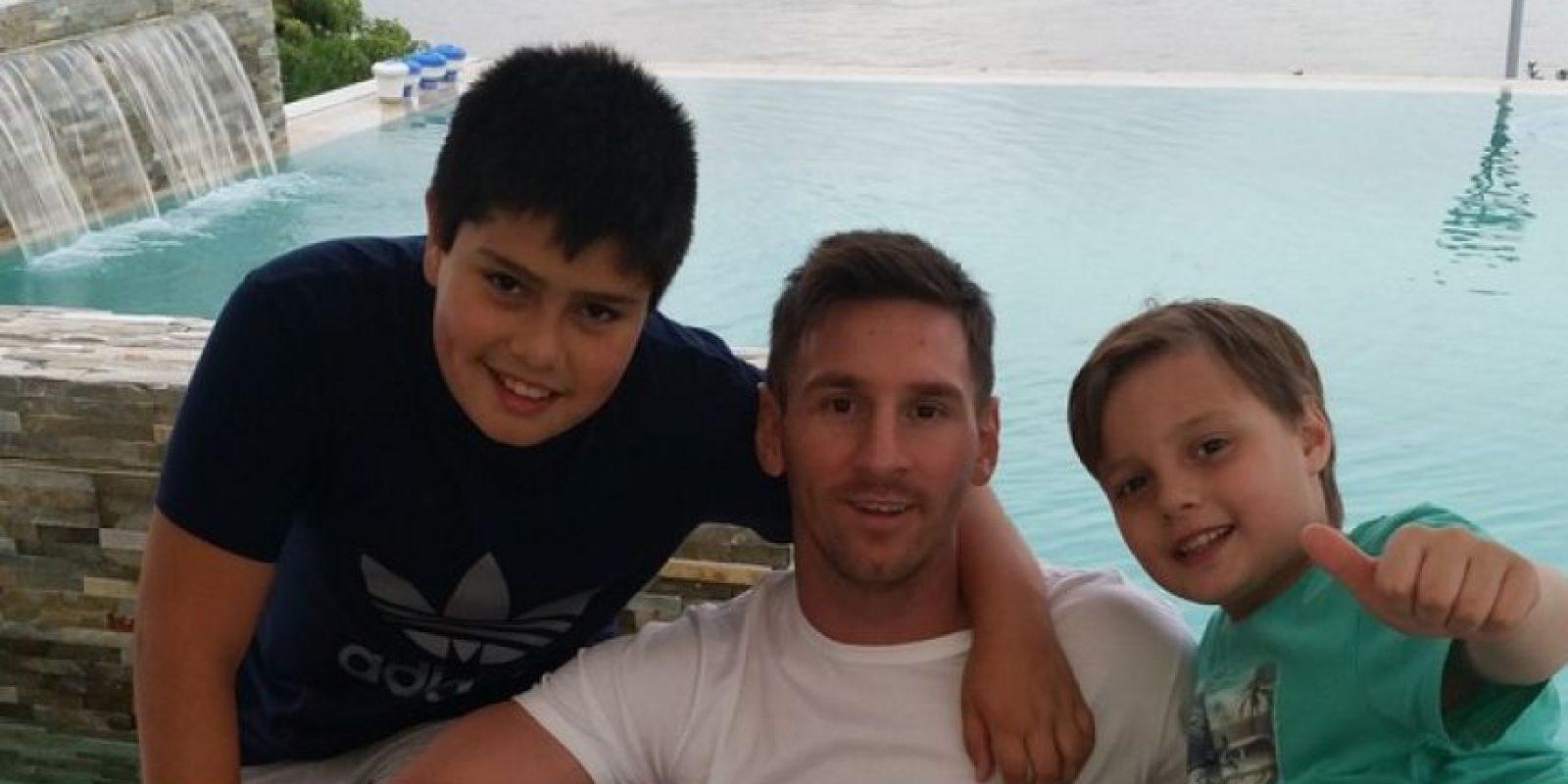 Agustín, hijo del hermano de Lionel, Rodrigo, tiene 6 años y al igual que el tío, ama el fútbol. Foto:Vía instagram.com/leomessi