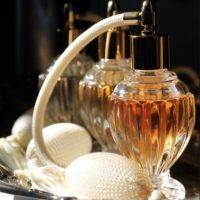 En el laboratorio se puede reproducir el olor humano mediante una técnica a partir de un tejido utilizado por la persona fallecida. Foto:Tumblr.com/tagged/perfumes