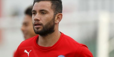 Eugenio Mena juega como defensa por la izquierda Foto:AFP