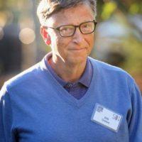 Existen quienes decidieron dejar la Universidad para dedicarse a trabajar y formar su propia empresa, como Bill Gates Foto:Getty Images