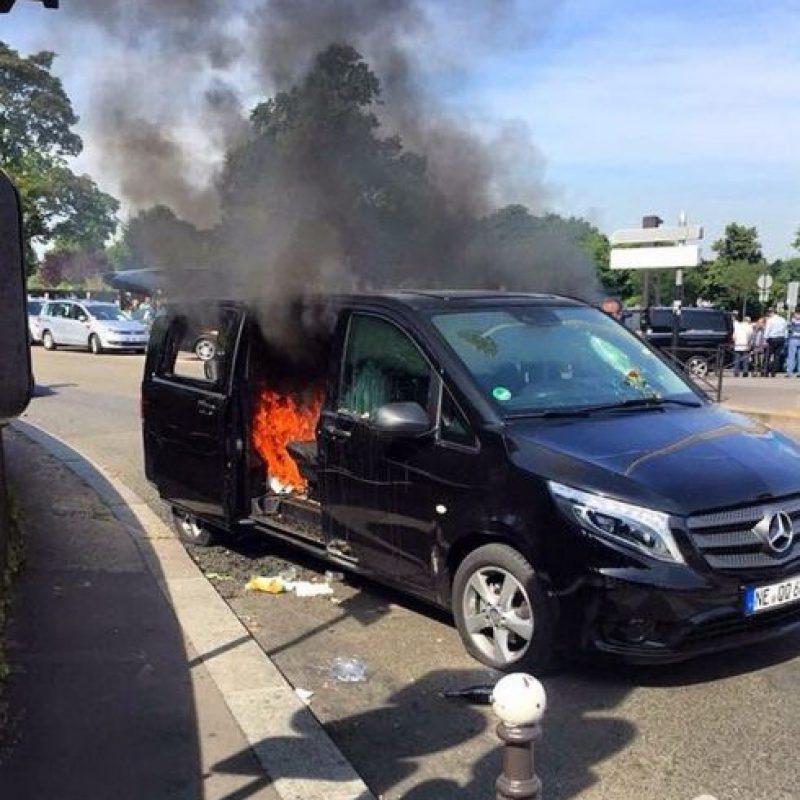 Vehículos han sido incendiados por taxistas. Foto:instagram.com/papstoure