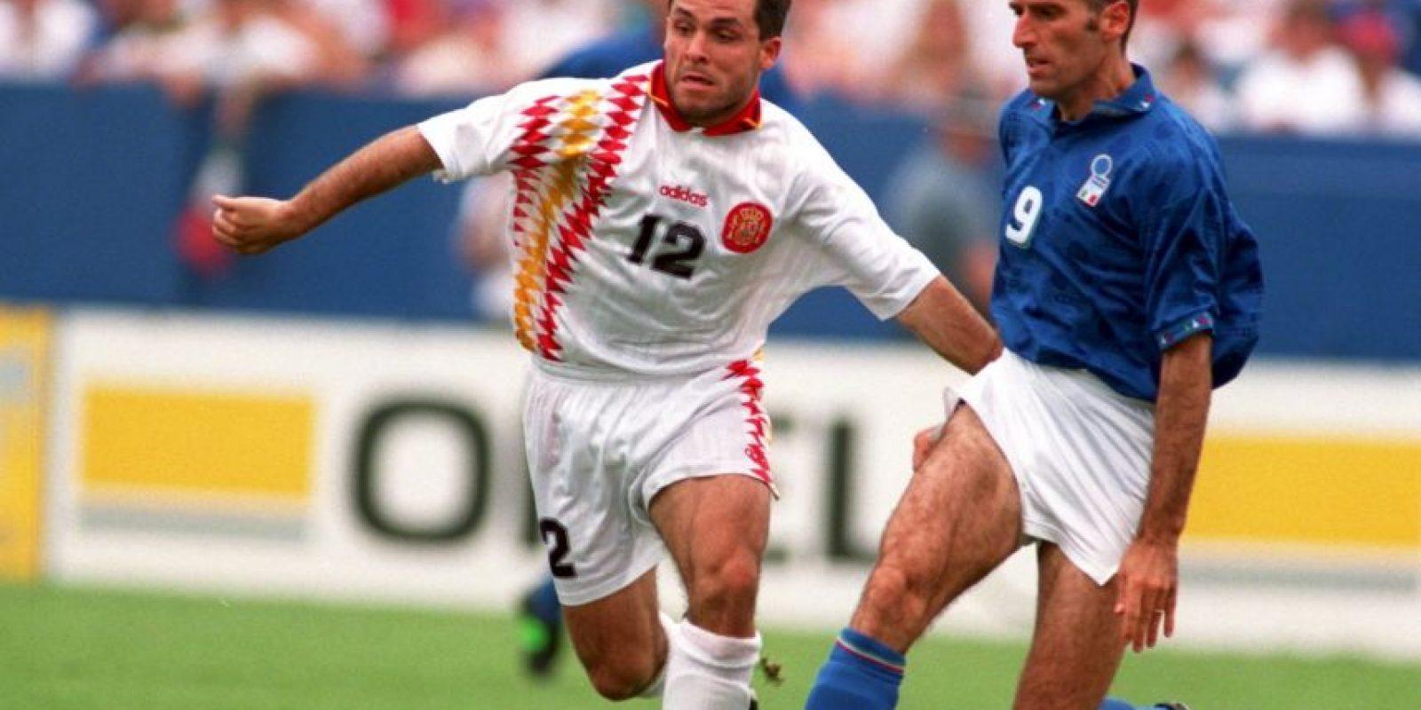 En Estados Unidos 1994, durante un Italia vs. España, el italiano le dio un codazo a Luis Enrique en la nariz provocándo un dramático sangrado. A pesar de ello, el árbitro no sancionó a Tassotti, pero la FIFA actuó de oficio y le dio ocho partidos de castigo. Foto:Getty Images