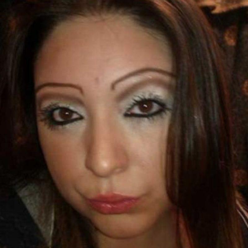 En los años 90 fue muy popular el maquillaje permanente. Foto:vía EpicFail.com