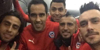 En varias ocasiones, los futbolistas chilenos han compartido fotos de la concentración. Foto:Vía instagram.com/claudiobravo1