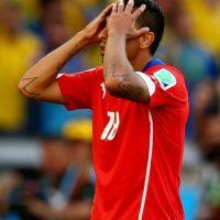 El gesto de Gonzalo Jara a Edinson Cavani en los cuartos de final de la Copa América podría salirle muy caro. Foto:Getty Images