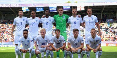 Una foto de la Selección de Inglaterra Sub-21 comiendo causó polémica. Foto:Getty Images
