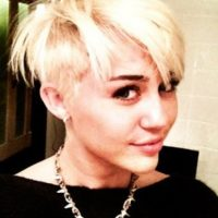 """Y con este peinado Miley se despedía para siempre de ser """"Chica Disney"""". Foto:vía Instagram/Miley Cyrus"""