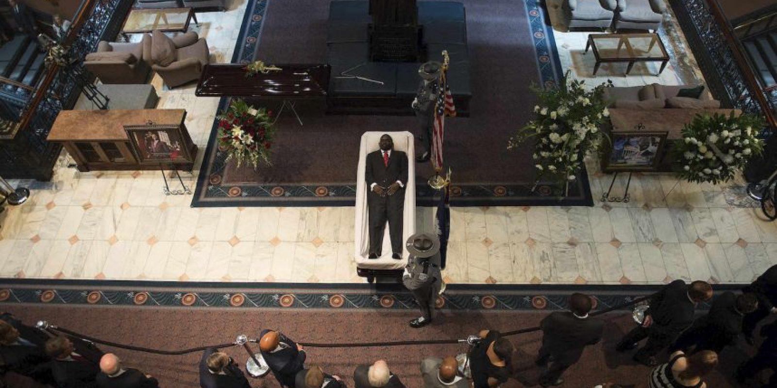 Velorio del reverendo Clementa Pinckney, quien murió tras la balacera en su iglesia en Charleston, Carolina del Sur. Foto:AFP