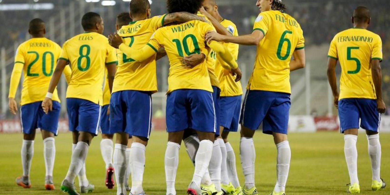 A pesar de que los brasileños tropezaron ante Colombia, sacaron victorias frente a Perú y Venezuela, lo que los clasificó a la siguiente ronda. Foto:Vía www.facebook.com/CBF