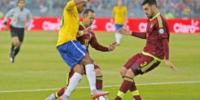 Brasil tuvo que repornerse a la pérdida de Neymar, expulsado en el partido ante Colombia y que finalmente, se perdió el resto del torneo. Foto:Vía www.facebook.com/CBF