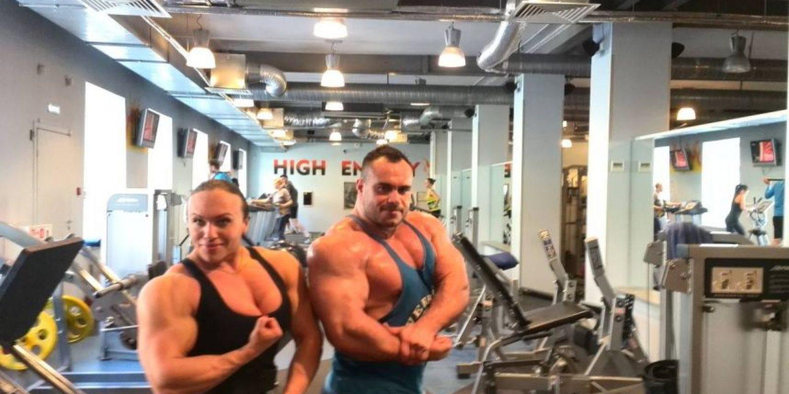 La deportista puede levantar pesas de ¡240 kilos! Foto:Vía facebook.com/robert.smyth.94
