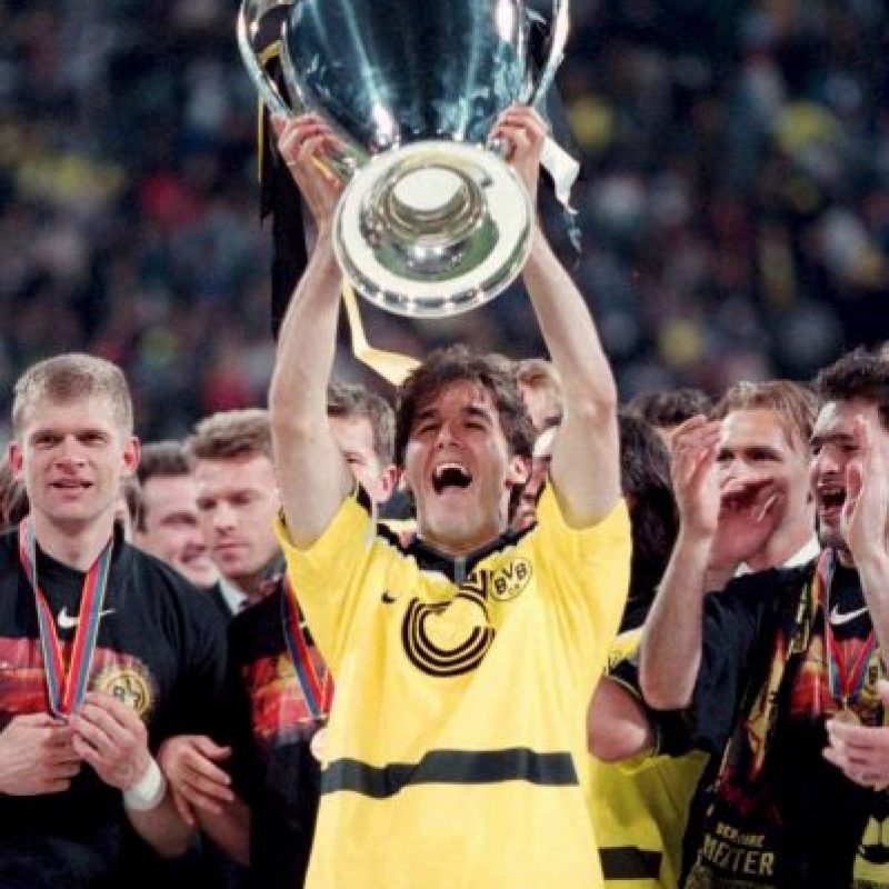La Copa de Campeones de Europa se disputa desde 1956, pero en 1992 adoptó la denominación de Champions League en su formato actual. Foto:Getty Images