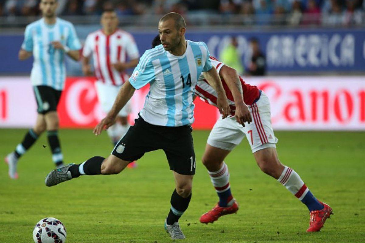 Jugó como volante ante Colombia y movió desde el centro a Argentina. Foto:Getty Images