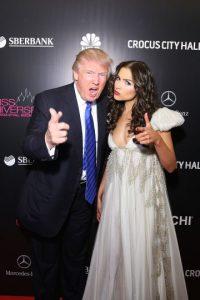 6. El ahora político dijo que demandará a la cadena de televisión Univisión por violar el contrato que tienen de transmisión de Miss USA. Foto:Getty Images