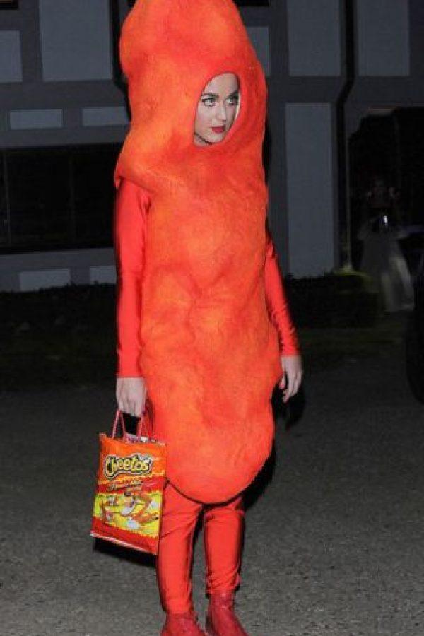 """Katy Perry vestida de """"Cheeto"""". Un solitario y triste Cheeto. Foto:vía Getty Images"""