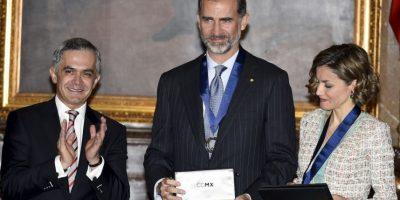 FOTOS: Reyes de España son condecorados en México