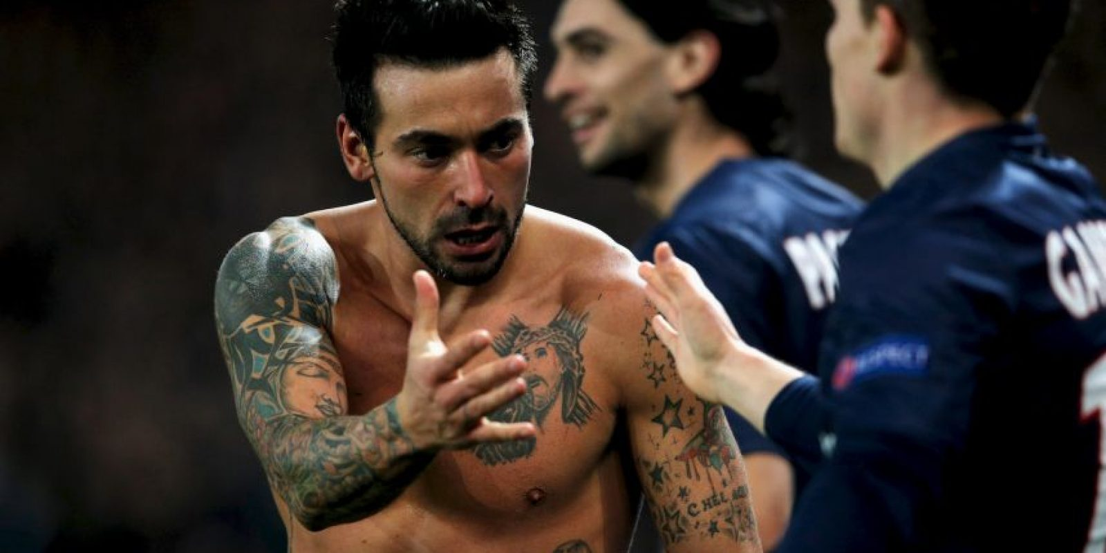"""El """"Pocho"""" sabe que tiene un físico espectacular, por ello, se quita la camiseta cada vez que puede. Foto:Getty Images"""
