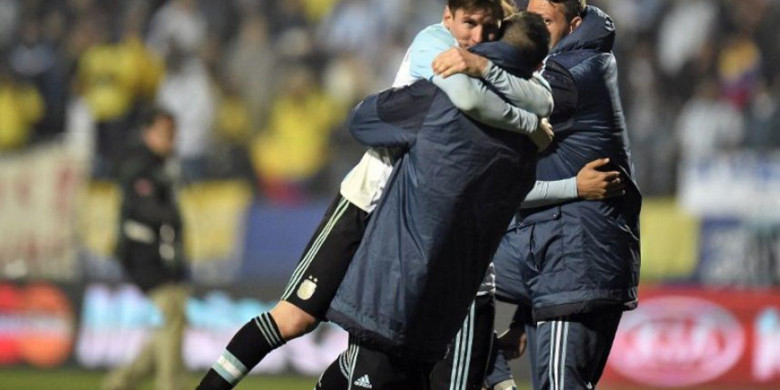 """1. Argentina cuenta con Lionel Messi, el mejor futbolista de los últimos tiempos. La """"Pulga"""" ha ganado cuatro Balones de Oro y aspira a un quinto en esta temporada Foto:AFP"""