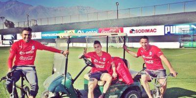 El delantero Eduardo Vargas también mantiene a sus seguidores al tanto de todo lo que sucede en el interior de la selección de Chile. Foto:Vía instagram.com/eduardovargasrj